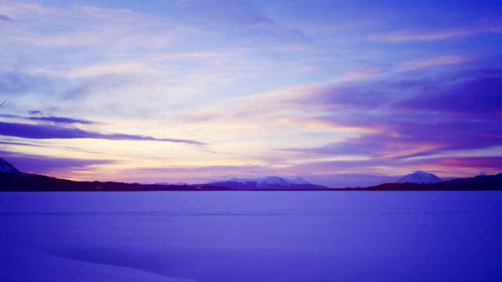 Lever de soleil sur Atlin Lake