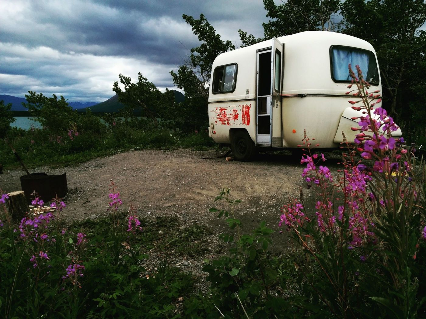 Camping à Dezadash Lake