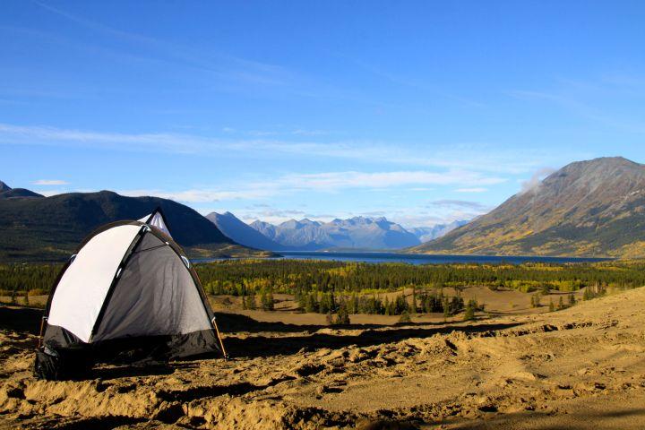 Le camping est interdittoléré dans le désert de Carcross