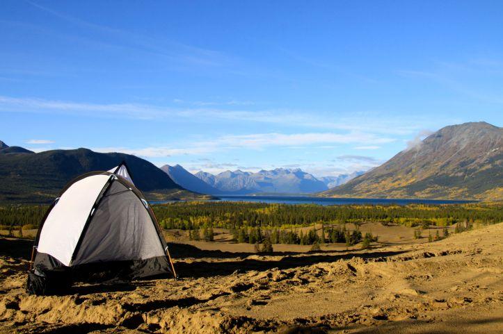 Camper dans le désert de Carcross