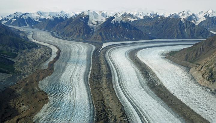 Voler au-dessus des glaciers deKluane