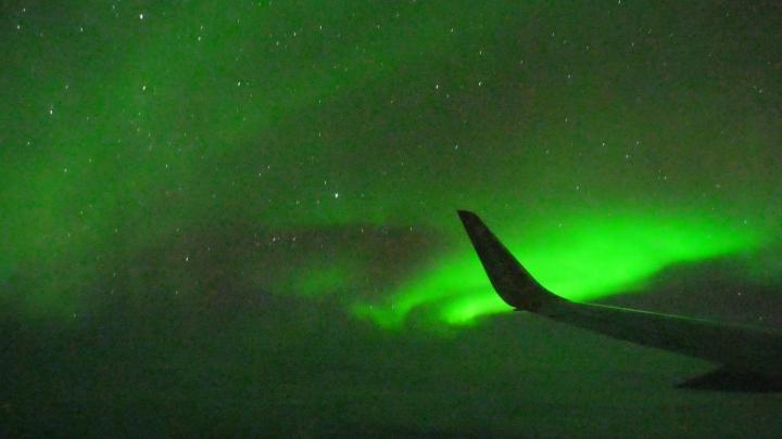 Voler parmi les auroresboréales